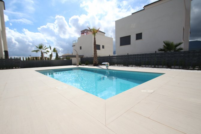 Luxury 3/4 bed 4 bath villas with pool with views of the sea and salt lakes