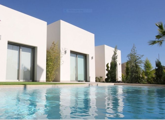Luxury, spacious villas with the option of a private pool close to all amenities