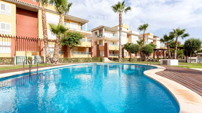 key ready Los Olivos apartments situated on the luxury golf resort of Hacienda del Alamo