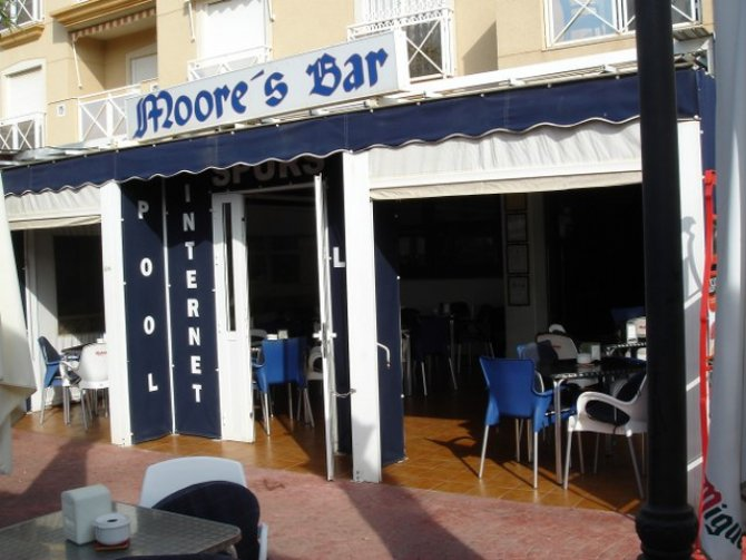 Commercial in Cabo Roig