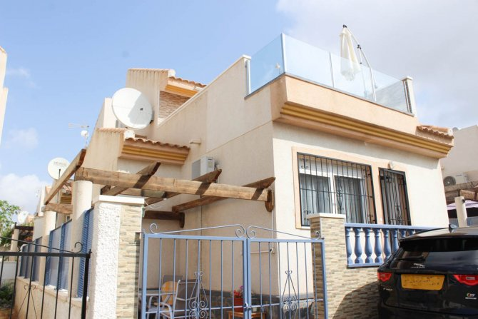 LONG TERM RENTAL (Min. 6 months)-Well-appointed det villa, community pool