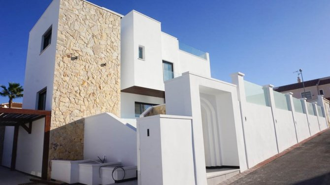 Luxury 4 bedroom villa just 300m from the beach
