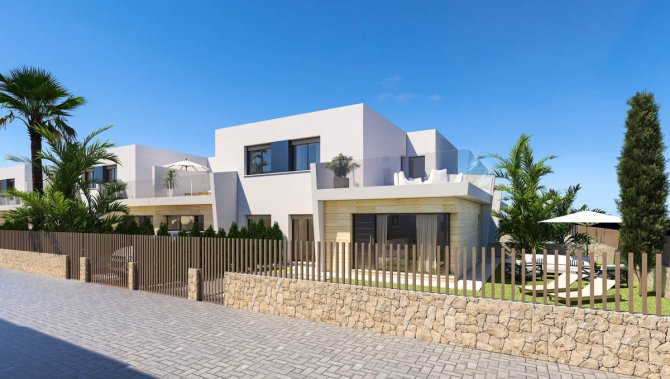 Semi-detached villas with option of private pool 400m from the beach