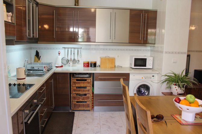 Immaculate 4 bed traditional Spanish apartment