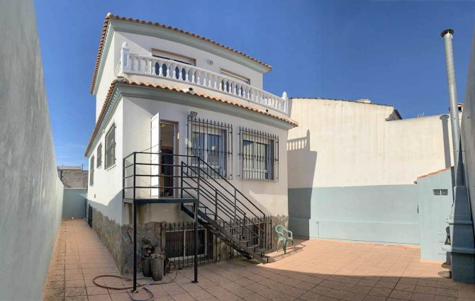 Detached 3 bedroom villa with garage in Benijofar