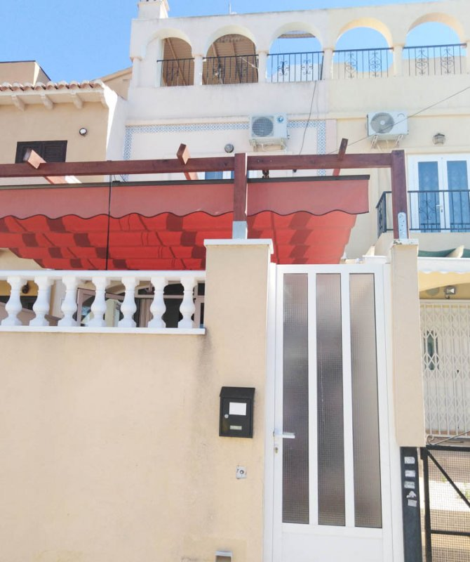 Townhouse in El Chaparral with beautiful views of the salt lakes