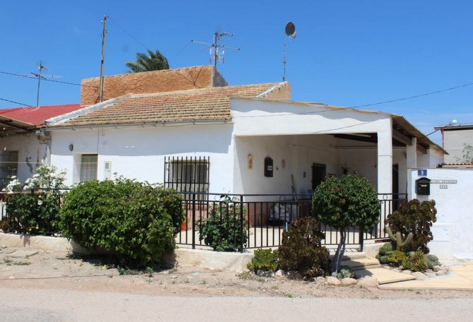 Typical Spanish Country finca with stunning mountain views