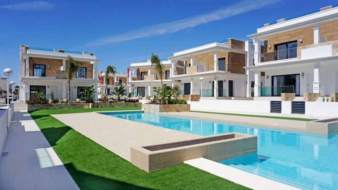 Stunning 2 Bed Townhouses with developed Basements