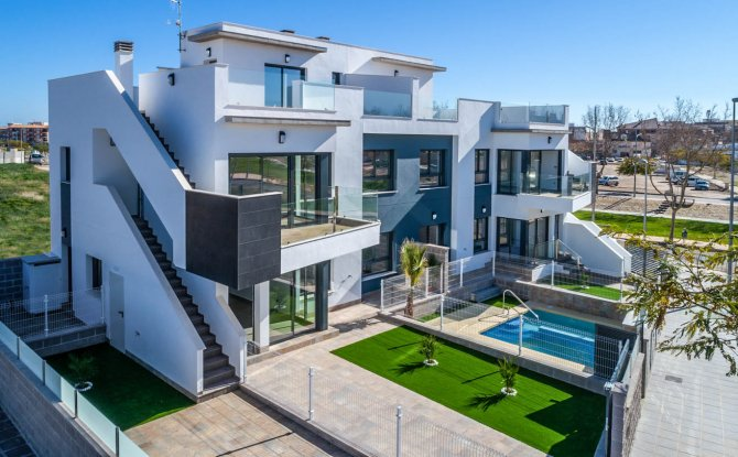Modern apartments with all white goods and communal pool