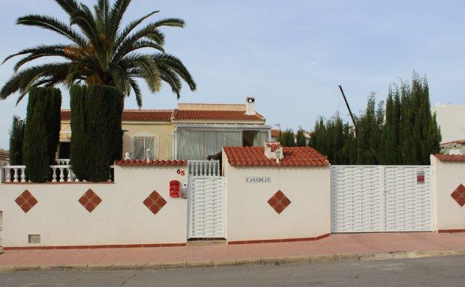 Striking Detached Villa in Desirable Location