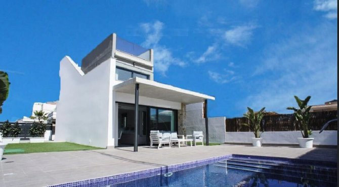 Stunning luxury south facing villas