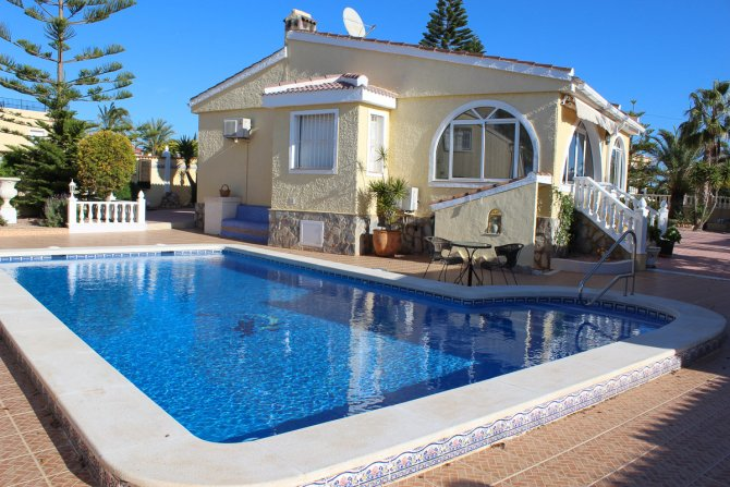 Fabulous Detached Villa on Large Plot