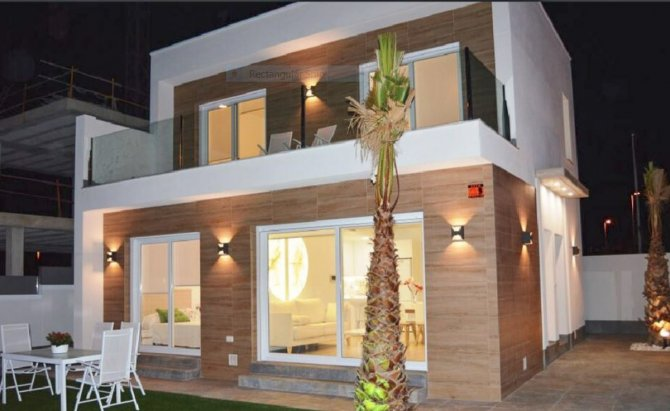 Superb value villas with private pools and just a 30 min walk to the beach