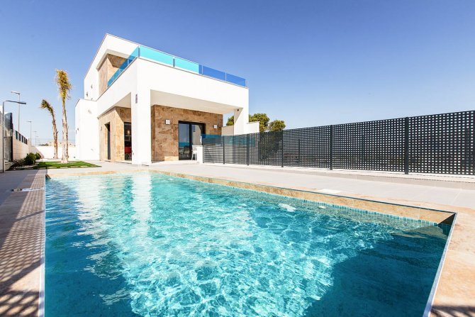 Lovely 3 bed 3 bath villas with private pool and option for solarium and underbuild