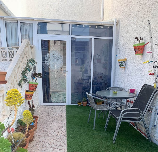 Well presented, 1 bed, bungalow within walking distance to amenities