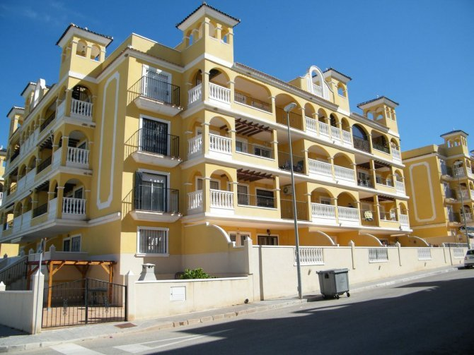 Apartment in Algorfa