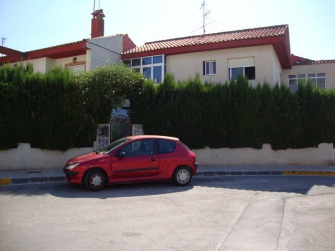 Spacious, south facing, extended typical Spanish 4 bed townhouse
