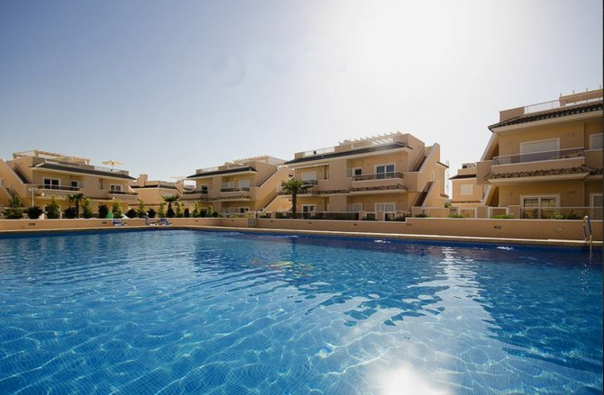 Luxury new complex of apartments with 2 communal pools, SPA, JACUZZI and GYM