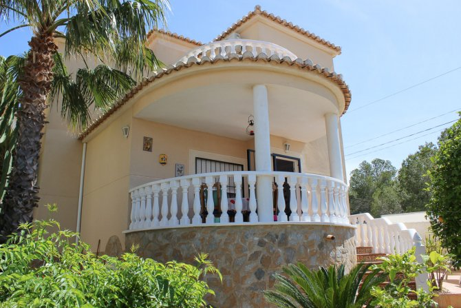 Superb Detached Villa in Secluded Location