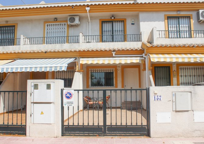Lovely Spacious  Well Priced Townhouse in Spanish Village