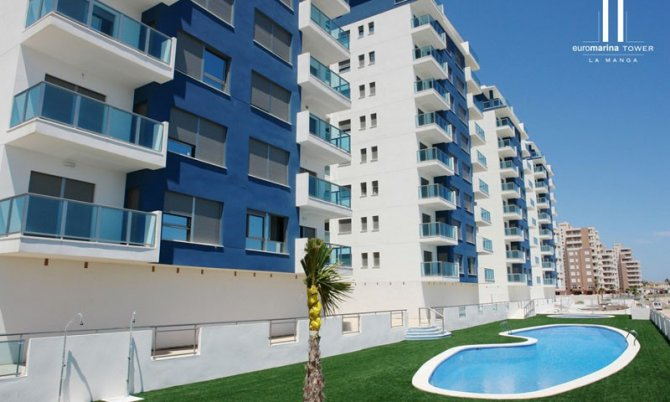 Beach front apartments with communal pools and exceptional views of the Mar Menor and Sea