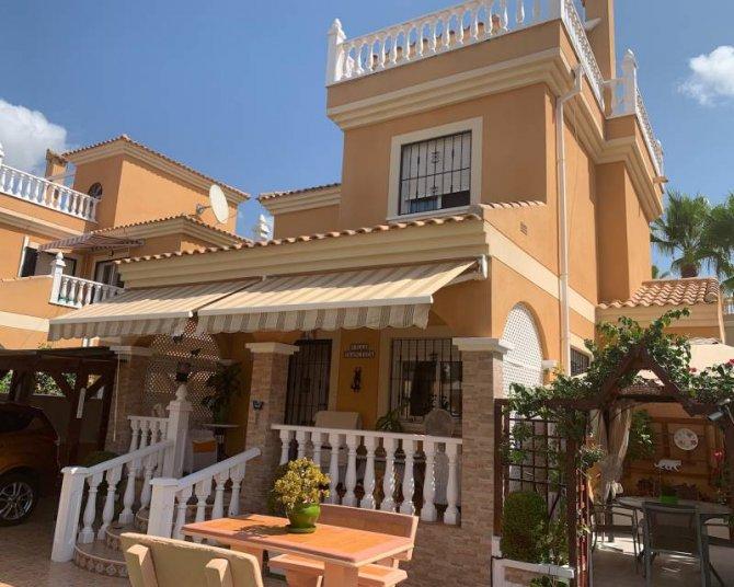 Villa in Lo Crispin