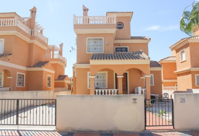 Spacious Detached Villa with Communal Pool
