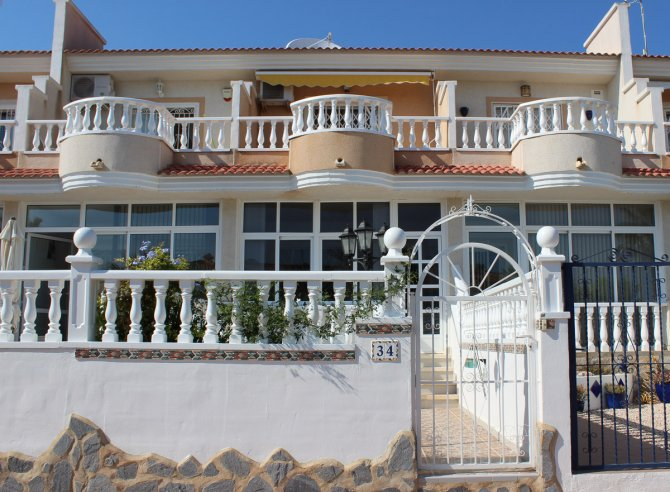 Lovely Fortuna Style Townhouse in Doña Pepa
