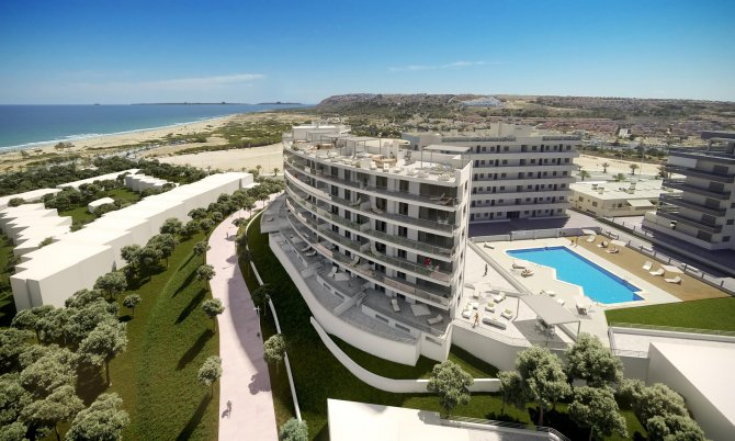 Luxury 4 bed 3 bath apartments, just 200 meters from the sea