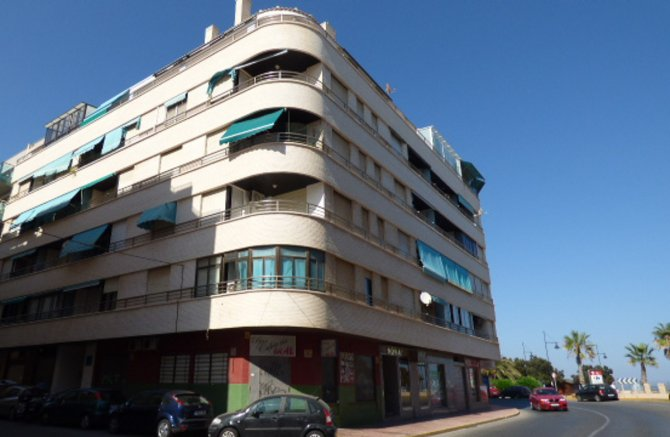 Studio apartment in Torrevieja, only 50 meters from the beach