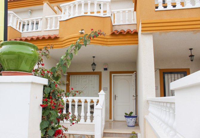 Lovely Fortuna Style Townhouse in Popular Location