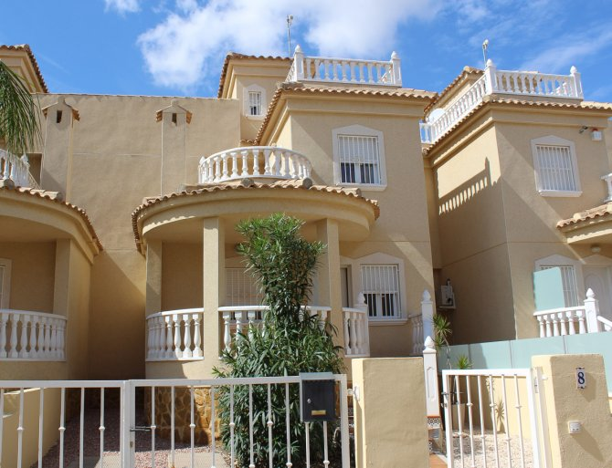LONG TERM RENTAL (Minimum of six months) - Linked villa in quiet location