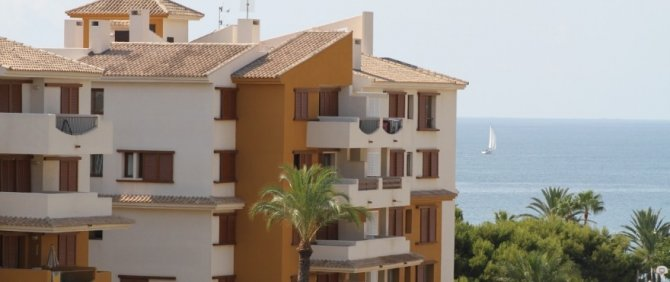 2 minutes from the beach 2 bed/2 bath apartments with beautiful views of the sea, pool and gardens