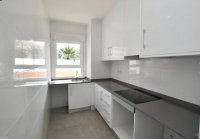 Stunning new 2-bedroom apartments within walking distance of the beach. (4)
