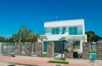 Stunning detached 3 bed, detached villas with private pool (0)