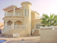 Superb south facing villa with private pool (16)