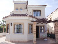 Superb detached villa on a large corner plot (11)