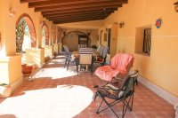 Stunning 4 bed detached finca with large private pool and separate apartment  (3)