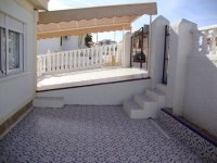 2 bed 2 bath semi on corner plot with internal courtyard (11)