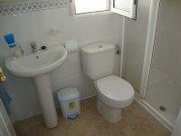 2 bed 2 bath semi on corner plot with internal courtyard (6)