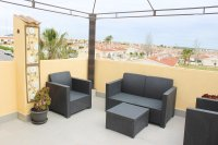 Well presented townhouse with communal pool and solarium (14)