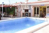 Stunning villa within easy walking distance of Quesada high street (27)