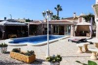 Stunning villa within easy walking distance of Quesada high street (2)