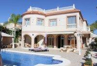 Stunning villa within easy walking distance of Quesada high street (36)