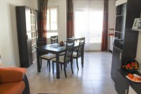 Well presented, modern, apartment within walking distance to beach (3)