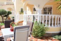 Very well-presented villa in quiet residential area (16)