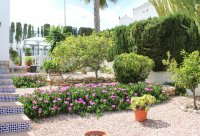 Well-presented, semi-detached villa with large garden and garage  (18)