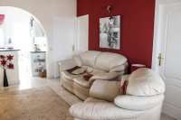 Well-presented, semi-detached villa with large garden and garage  (3)