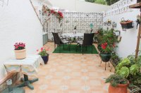 Well-presented, semi-detached villa with large garden and garage  (14)