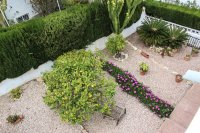 Well-presented, semi-detached villa with large garden and garage  (19)
